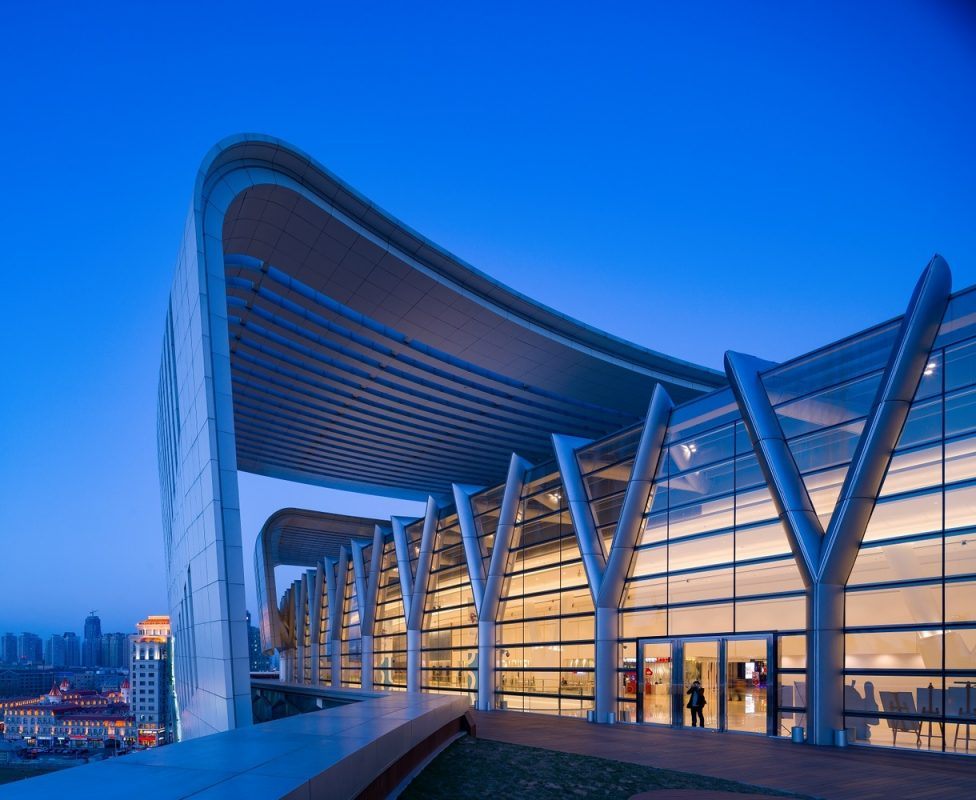 olympia_66_in_dalian__china_by_aedas_08_roof_deck